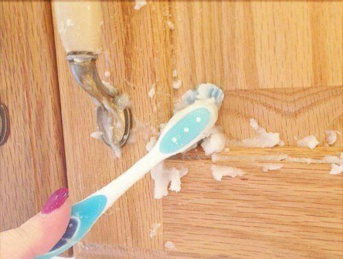 Как очистить кухонную мебель от жира и грязи