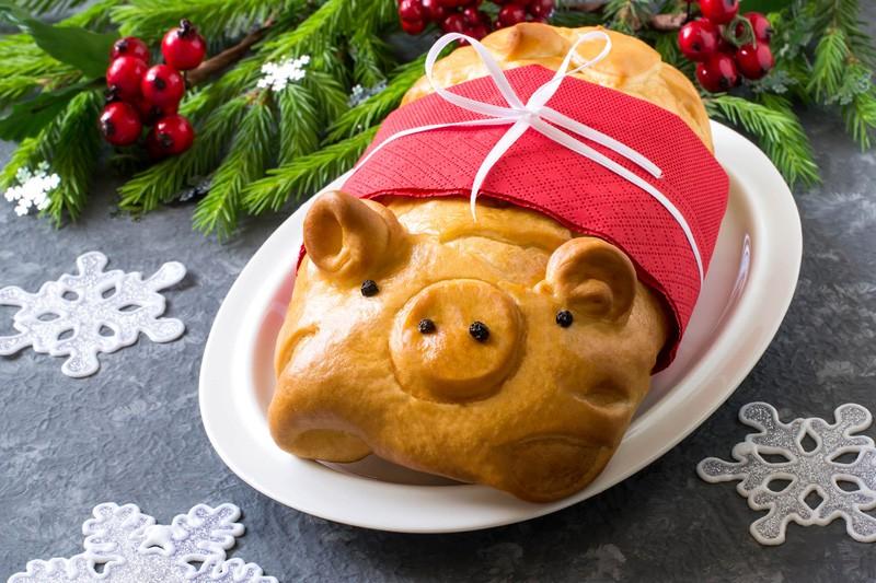 кулебяка в виде свиньи