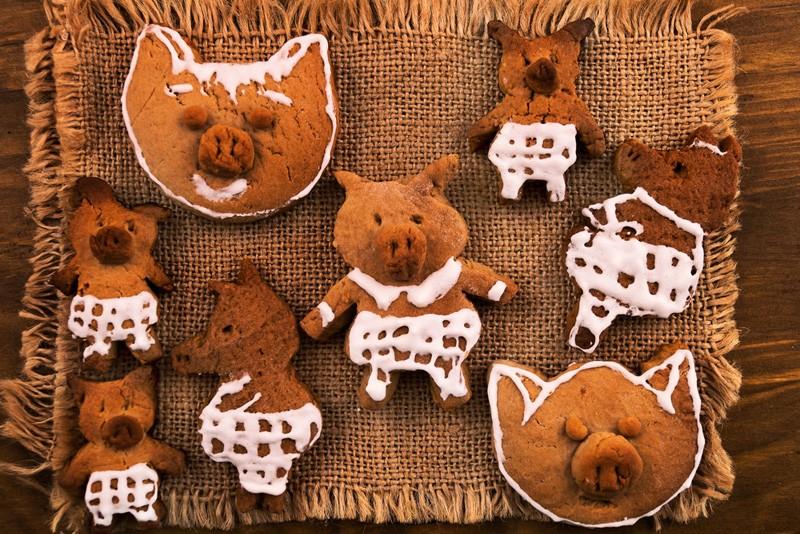новогоднее печенье в виде свиньи