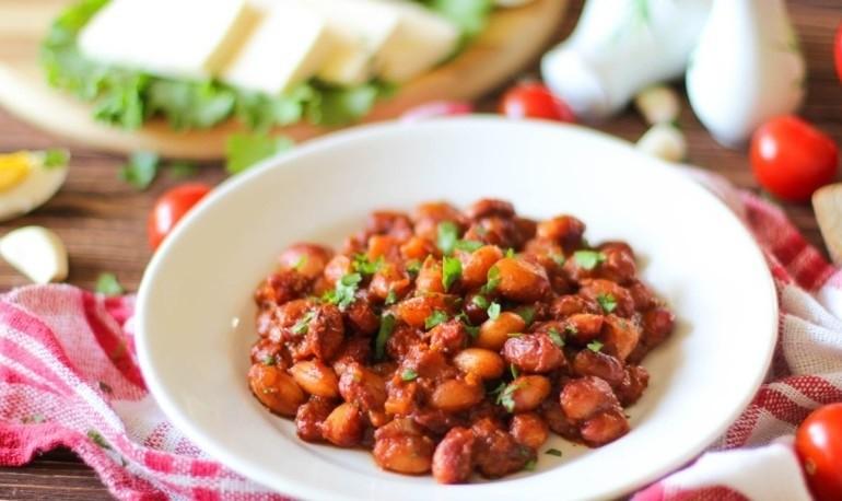 Фасоль запеченная в томатном соусе
