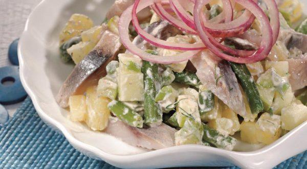 Немецкий картофельный салат с сельдью