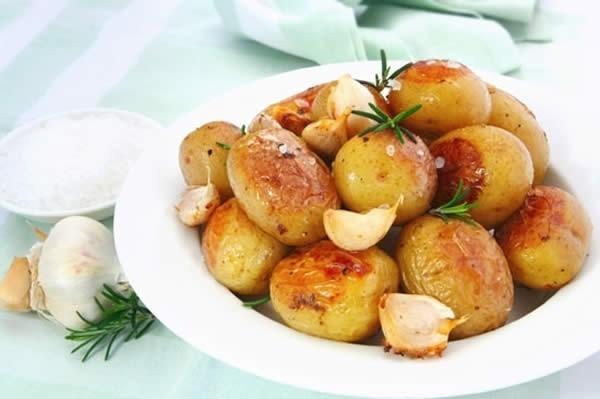 Запечённый картофель с заморскими травами