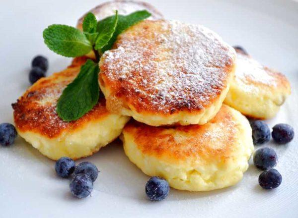 Сырники - вкусный и полезный десерт. Рецепты