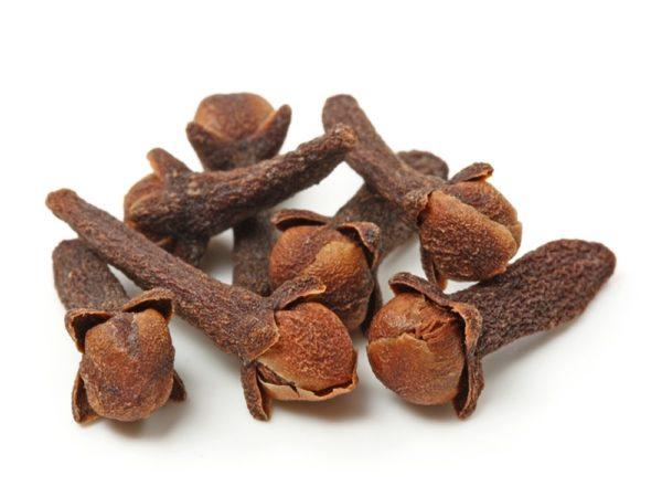 Гвоздика — пряность для ароматных блюд и для здоровья десен