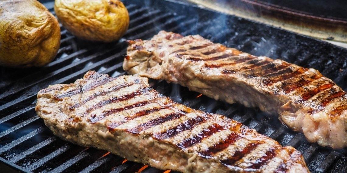Мясо на гриле с кинзой