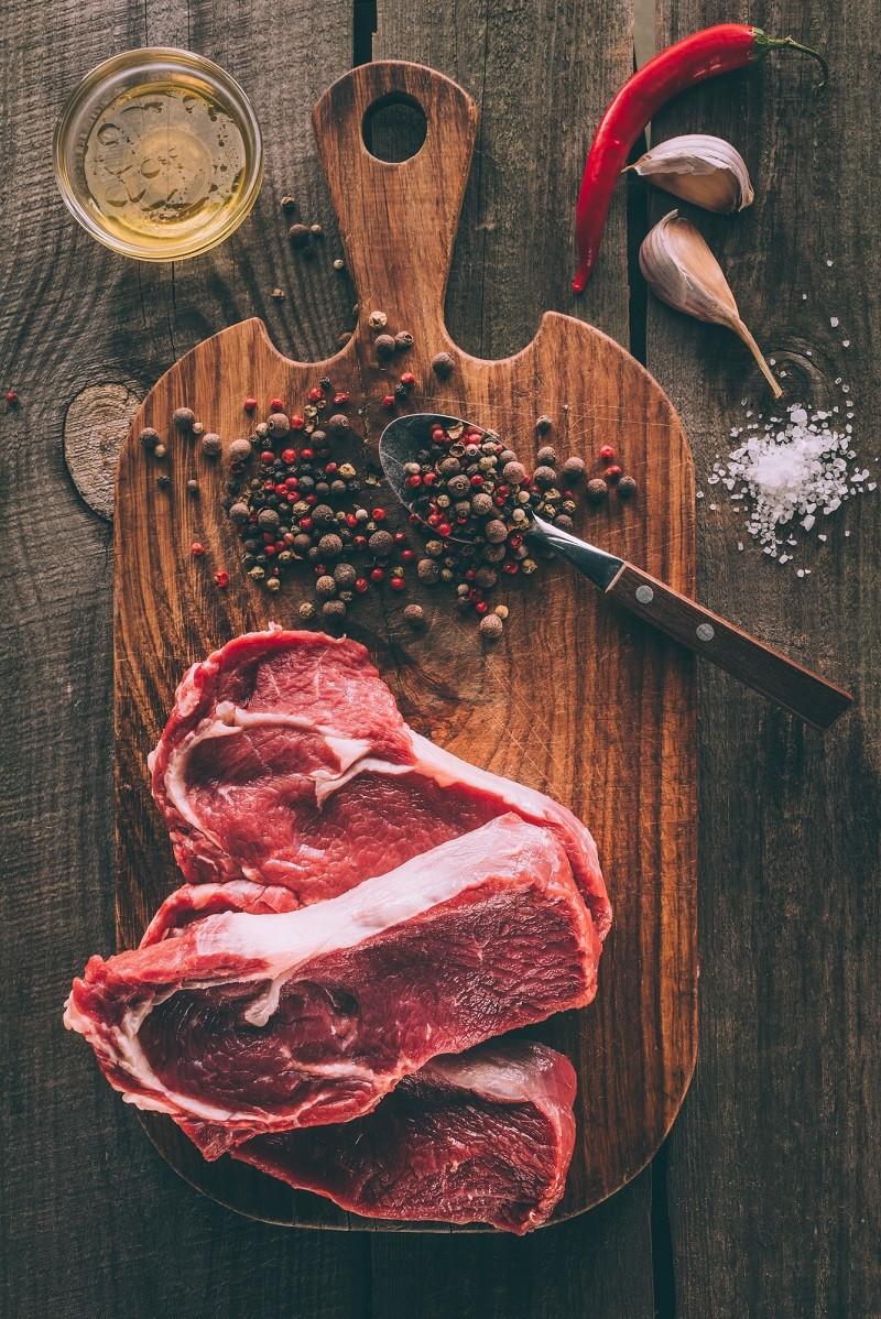Мясо и черный перец