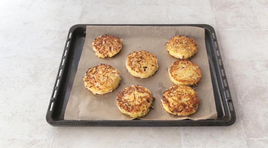Котлетки из свежей капусты с картофелем. Шаг 5