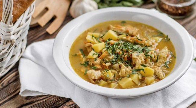 Грибной суп с индейкой и перловкой