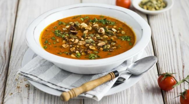 Томатный суп с куркумой