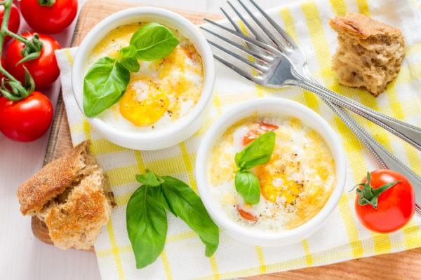 Яйца кокот по-французски