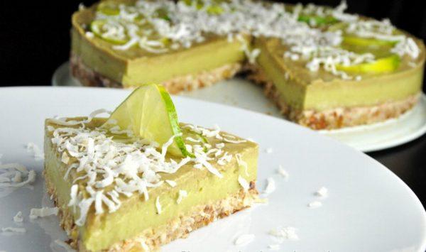 Торт из лайма и авокадо