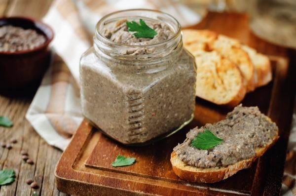 Варианты намазки на хлеб. Быстрые закуски