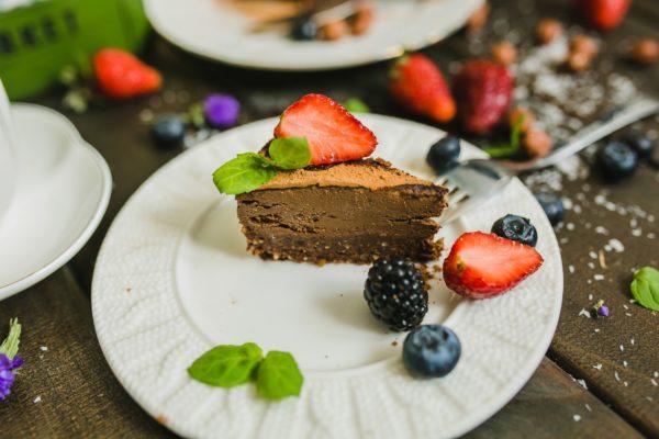 Шоколадный чизкейк из авокадо